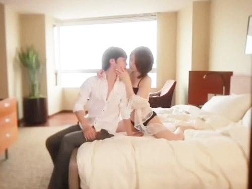 ☆見つめ合って微笑み合って絡まり合う2人。色白な女性のキレイな体を一徹くんが優しく愛撫する♪一瞬でも離れたくない2人です。のサムネイル画像