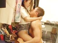 ☆クローゼットでたくさんのキス。情熱的にお互いの身体を愛撫のサムネイル画像