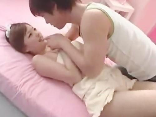 たくさん可愛いって言ってくれる優しい鈴木一徹くん♪ラブラブエッチでもっと好き☆のサムネイル画像