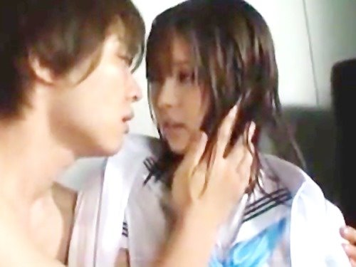 雨宿りで始めて出会った鈴木一徹くんと結ばれちゃう胸キュンストーリー☆のサムネイル画像