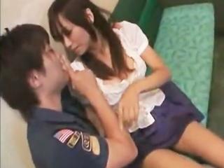 二人きりでムラムラ♪カラオケボックスで鈴木一徹とこっそりラブラブエッチ☆のサムネイル画像