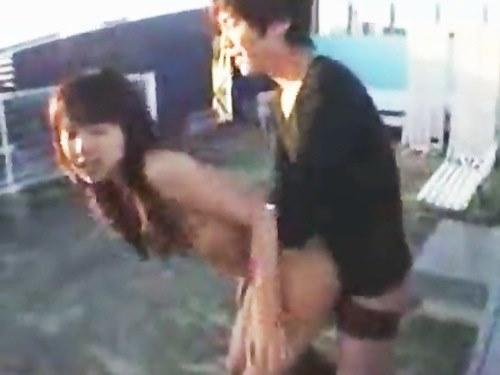 見られそうでドキドキ♪ビルの屋上で鈴木一徹くんと大胆情熱セックス☆のサムネイル画像