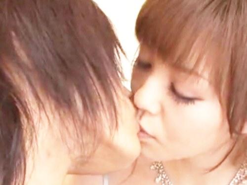 ☆「キスしよっか」と、そっとキスから始まるエッチです。初めての撮影で緊張する女優さんを優しくリード♪のサムネイル画像