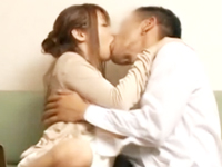 ☆夫の部下とイケナイ関係・・・。淡白な夫の夜の生活に不満があることを相談しているうちにどんどんエッチな気分になっていきます!のサムネイル画像