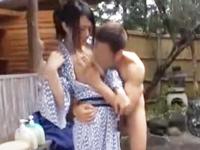 ☆混浴露天風呂で彼氏に内緒で別の男性とエッチなことしちゃいます!大胆にオッパイを揉みくちゃにされちゃいます!のサムネイル画像