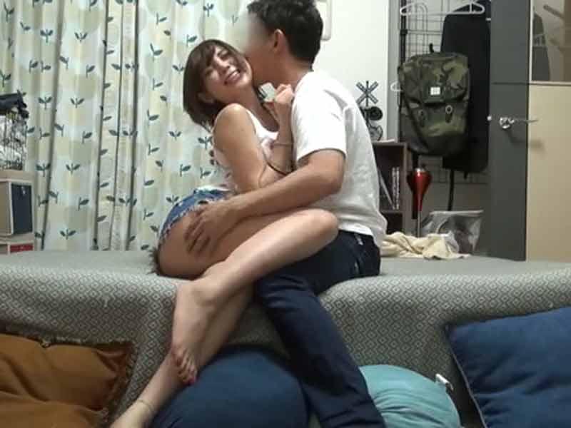 付き合いたてのカップルはセックス三昧w隠し撮りまでwwのサムネイル画像