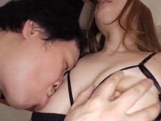 大人のいやらしい濃厚セックス!何度もイッてしまいます!のサムネイル画像