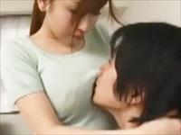 ☆近親相姦・・・母と息子のイケナイ関係。甘える息子を優しく受け止める母親。ダメと分かっていても感じてしまうカラダ・・・。のサムネイル画像