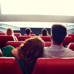 映画館で彼氏とイケナイ事を…のサムネイル画像